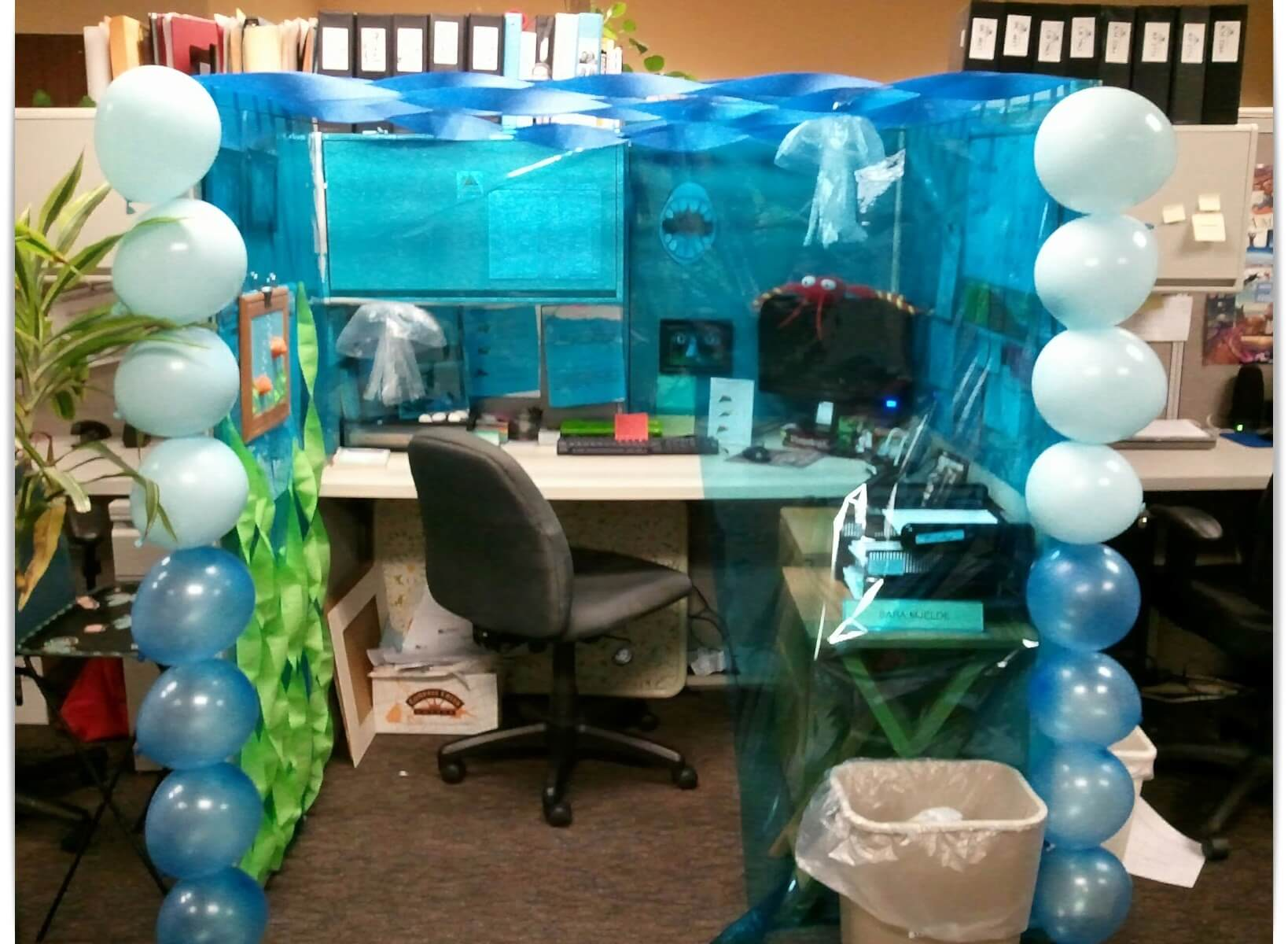 How To Decorate Your Cubicle Fair With Halloween Cubicle Decorating Ideas Pictures