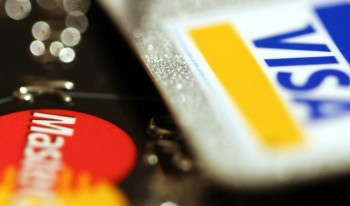 What's the difference between a secured credit card & an unsecured credit card?